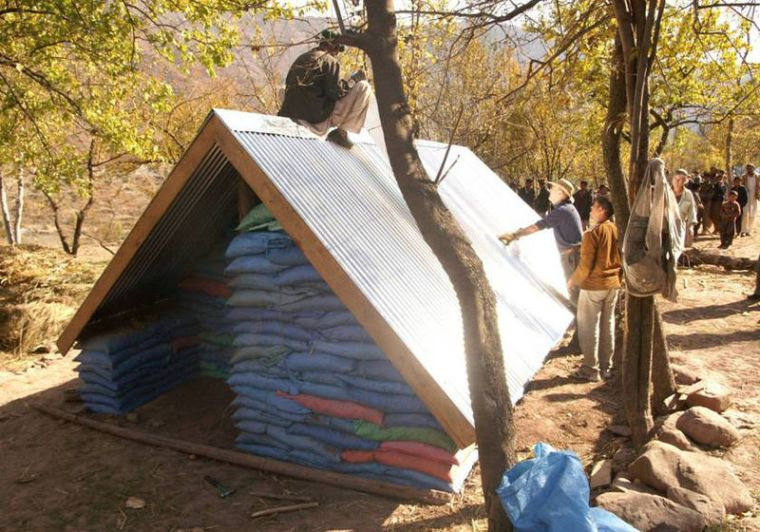 800px-PAKISTAN_BUILT_SHELTER_05